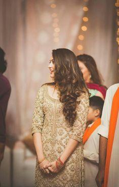 My Pakistani wedding inspirations Pakistani Wedding Outfits, Pakistani Dresses, Indian Dresses, Indian Outfits, Pakistani Wedding Hairstyles, Shadi Dresses, Eastern Dresses, Party Kleidung, Mehndi Dress