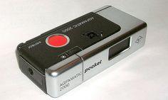 AGFAMATIC. regalo per la Prima Comunione. Un colpaccio: in un colpo solo 2 macchine fotografiche. L'altra era la Polaroid.