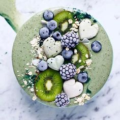 """Food styling ideas   Valentine breakfast   Heart shaped ice cream """"cubes""""   Healthy Smoothie"""