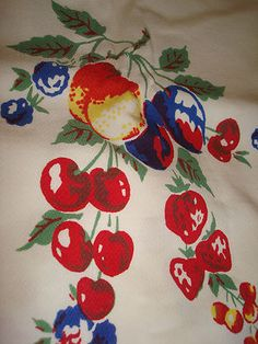 Vintage CHERRY & Berry Cottage Tablecloth