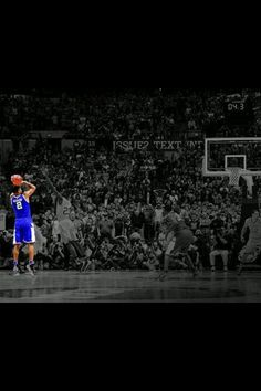 The shot heard around the basketball world!!! Aaron Harrison to the rescue! Yea baby!!! Go cats! #kentucky #wildcats