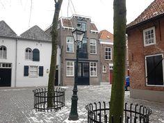 Sint Janskerkhof ´s-Hertogenbosch, pand waar ik op richt was vroeger familie eigendom, timmerwerkplaats van mij Opa