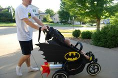 Awesome Batman baby stroller! My nephew totally needs this!!