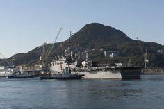 SASEBO, Japan (Jan. 27, 2014) The Austin-class amphibious transport dock ship USS Denver (LPD 9) pulls away from the pier. Denver is part of the Bonhomme Richard Amphibious Ready Group, the U.S. Navy's only forward-deployed amphibious ready group. (U.S. Navy photo by Mass Communication Specialist 2nd Class Adam D. Wainwright/Released)