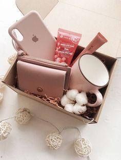 # ksenia.box #Das Geschenk des Mannes #Das Geschenk der Frau #8. März - #das #Der #des #Frau #geschenk #ksenia #kseniabox #mannes #März