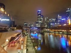Melbourne by night - CN 2016