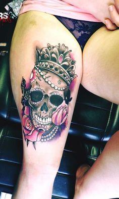 Tattoos, skull thigh tattoos и girl thigh tattoos. Feminine Skull Tattoos, Skull Thigh Tattoos, Girl Thigh Tattoos, Skull Girl Tattoo, Sugar Skull Tattoos, Leg Tattoos, Sleeve Tattoos, Tattoo Hip, Girl Skull