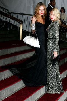 The Style Evolution of Mary-Kate & Ashley Olsen Mary Kate Ashley, Mary Kate Olsen, Elizabeth Olsen, Olsen Fashion, Star Fashion, 2000s Fashion, Fall Fashion, Ashley Olsen Style, Look Formal