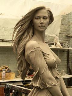Китаянке Лу Ли Ронг (Luo Li Rong) нет равных в создании реалистичных и женственных скульптур. В ее работах есть ощущение дыхания, легкого движения. Красота тела, изгибы, грация — все это Лу Ли удалось...