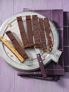 Karamell - Schoko - Schnitten, ein gutes Rezept aus der Kategorie Kuchen. Bewertungen: 117. Durchschnitt: Ø 4,3.