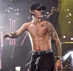 Justin Bieber Performs Shirtless at Billboard Hot 100 Music Festival New York Justin Bieber Tattoos, Justin Bieber Pictures, I Love Justin Bieber, Justin Bieber Room, Linking Park, Justin Baby, Justin Bieber Wallpaper, Billboard Hot 100, Hottest 100
