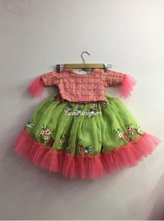 Baby Girl Dresses Diy, Girls Party Dress, Little Girl Dresses, Kids Frocks Design, Baby Frocks Designs, Kids Dress Wear, Kids Gown, Baby Girl Dress Patterns, Baby Dress Design