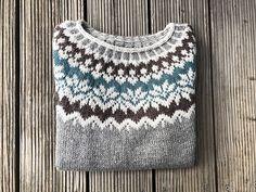 Afmæli - Anniversary Sweater pattern by Védís Jónsdóttir Knitting Socks, Baby Knitting, Knitted Hats, Knitting Machine, Free Knitting, Fair Isle Knitting Patterns, Knit Patterns, Stitch Patterns, Vintage Knitting