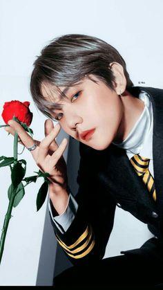 Baekhyun is so beautiful Kris Wu, Dibujos Tumblr A Color, Baekhyun Wallpaper, Exo Lockscreen, Exo Fan Art, Babe, Baekhyun Chanyeol, Kpop Exo, Exo Members