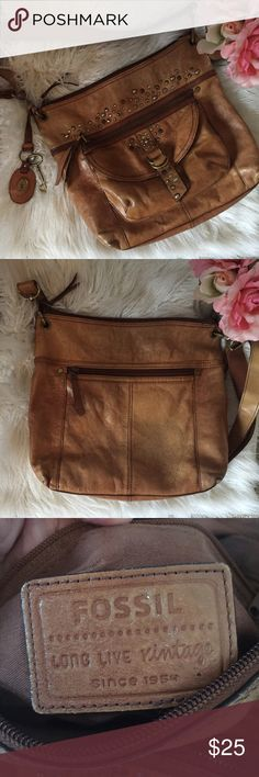 Fossil Vintage Collection Crossbody Purse Description: part of the fossil vintage collection. They were made to look rustic! So not all the leather marks are from use! Very pretty brown color with studs.  Condition: good used  Flaws:outer leather wear   SAVE MONEY:  YES ✅ TRADES YES ✅ OFFERS  YES ✅ BUNDLES OF 3 OR MORE- 30% OFF Fossil Bags Hobos