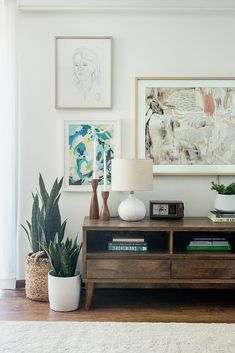 How To Hide Your TV In A Gallery Wall