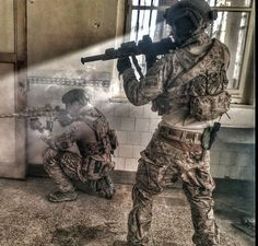 Special Forces Gear, Military Special Forces, Military Police, Military Art, Airsoft, Army Gears, Special Operations Command, Special Ops, Military Pictures