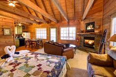 The Hemlock - This is the perfect cabin for a romantic getaway!