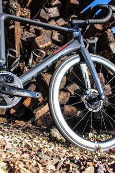 PARLEE Cycles | RZ7 LE Carbon Road Bike, Brake Calipers, Custom Paint
