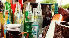 Mercado de Pulgas, Plaza Rocha #MardelPlata #MDQ #iLoveMDQ #Antigüedades #Reliquias #Antiques #Botellas #Bottles #antiguedades