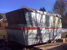 1960 Holiday House (model 17)
