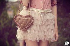 hi. I'm a 19 years old german girl. i blog and reblog all i love. fashion, cocktails, jewels,...