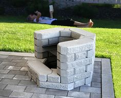 "Learn more info on ""outdoor fire pit designs"". Look at our internet site. Diy Outdoor Fireplace, Backyard Fireplace, Fire Pit Backyard, Easy Fire Pit, Patio Pergola, Cinder Block Garden, Fire Pit Ring, Garden Arches, Fire Pit Area"