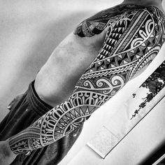 Amazing #tattoo #art by @higginsandco  #tattoo #tattoed #ink #inkart #inked #blackandwhite #ingravidos II