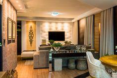 Sala de jantar e estar integradas e aconchegantes Wall Mounted Tv, Decoration, Interior Design, Living Room, House, Home Decor, Estilo Boho, Simple Living Room, Wall Papers