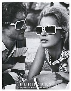 Burberry Magazine Advert. Kate Moss. Image Courtesy of The Advertising Archives: www.advertisingarchives.co.uk.
