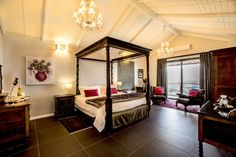 Accommodation - Mariner Guesthouse in Simon's Town. Self Catering holiday accommodation. Beach Accommodation, Holiday Accommodation, Superior Room, Cape Town, Bed And Breakfast, Luxury, Furniture, Home Decor, Decoration Home