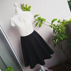 Frauenmasche: Schwarzer Rock mit Kellerfalten Waist Skirt, High Waisted Skirt, Ballet Skirt, Skirts, Blog, Fashion, French Seam, Skirt Sewing, Black Man