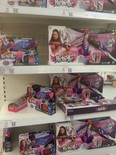 Ale Nefr nie tylko jest dla chłopców, też są wyrzutnie i łuki dla dziewczynek (Nerf Rebelle) w fioletowo-różowych kolorach. Do pary, dla chłopca i dziewczynki. #hasbro #nerf #wyrzutnianerf https://www.facebook.com/photo.php?fbid=1664571617099839&set=o.145945315936&type=1