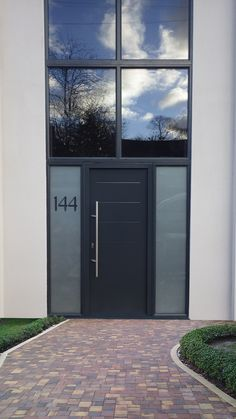 Hormann Anthracite Grey with Side Elements - SWR Redefining Homes Modern Entrance Door, Modern Exterior Doors, Modern Front Door, Exterior Front Doors, Front Door Design, House Entrance, Entrance Doors, Grey Front Doors, Contemporary Front Doors