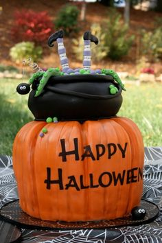 Cakes by Jyl: Halloween Cake
