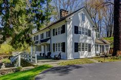 OldHouses.com - 1840 Colonial - Totally Renovated Radnor Hunt Colonial in Berwyn, Pennsylvania