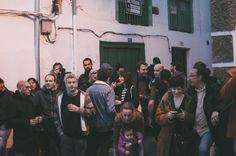 Durante la inauguración de la exposición #CRECER de Ropa Tendida fanzine en La Cabina de Hervás, Extremadura. www.ropatendidafanzine.com fotografía@ Dibujando con luz