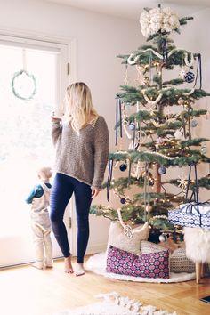 Boho Christmas tree via @laurenpeelman