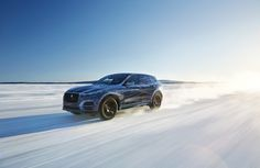 See the latest 2015 Jaguar F-Pace Extreme Testing images with VeePix Vehicle Image Galleries Jaguar Fpace, Qhd Wallpaper, Jaguar Land Rover, Compact Suv, Pre Production, Luxury Suv, Wallpaper Pictures, Evo, Modeling