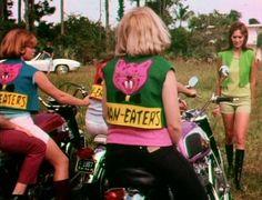 Chicas motociclistas desnudas follando