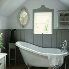 Traditional Bathroom Design using roll top and cast iron baths Bad Inspiration, Bathroom Inspiration, Bathroom Ideas, Bathroom Furniture, Cottage Shabby Chic, Cottage Bath, Tongue And Groove Panelling, Wall Panelling, Modern Country Style
