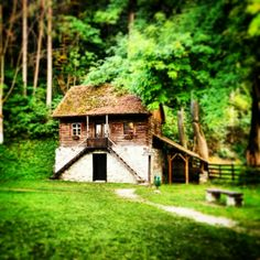 Visit Romania, Village Houses, Our Country, Beautiful Places To Visit, Treehouse, Lonely Planet, Medieval, Tourism, Castle