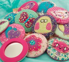 pocket mirrors as wedding favours - wouldn't want to spend more than 100$ on favours