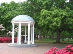 The Her Campus Pre-Collegiette Guide: University of North Carolina at Chapel Hill | Her Campus