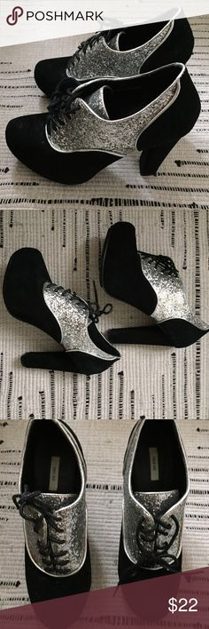 """Urban Outfitters Glitter Oxford Platforms Heels 3.5"""" Platform heels from Kiminchi Blue. Worn only twice, have been sitting in my closet. Perfect for parties, discos, or New Years! Suede and silver glitter. Urban Outfitters Shoes Platforms"""