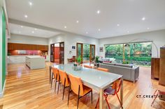 Bespoke real estate photography and video for inner city Melbourne's most prestigious properties.
