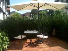 Sillón de forja para cafeterias Modelo Alicante. www.fustaiferro.com