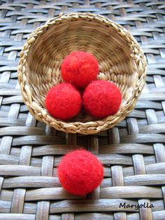 Merino wool felt beads, red wool felt balls, handmade felt beads, beaded balls, red beads for DIY craft and jewelry, 20mm