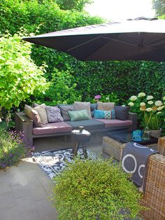 Een kleine tuin en toch optimaal genieten, dat willen we allemaal wel.