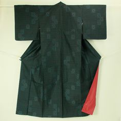 Black, tsumugi komon / 黒地 菱格子と四角花柄 紬小紋   #Kimono #Japan http://global.rakuten.com/en/store/aiyama/